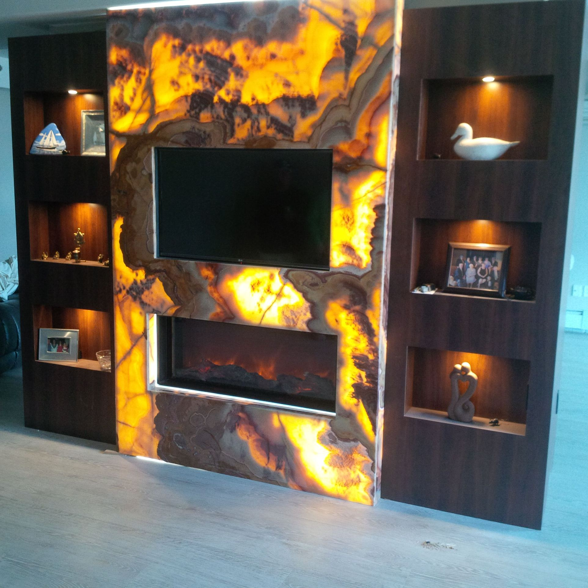 Victory stone onyx for Fireplace material options